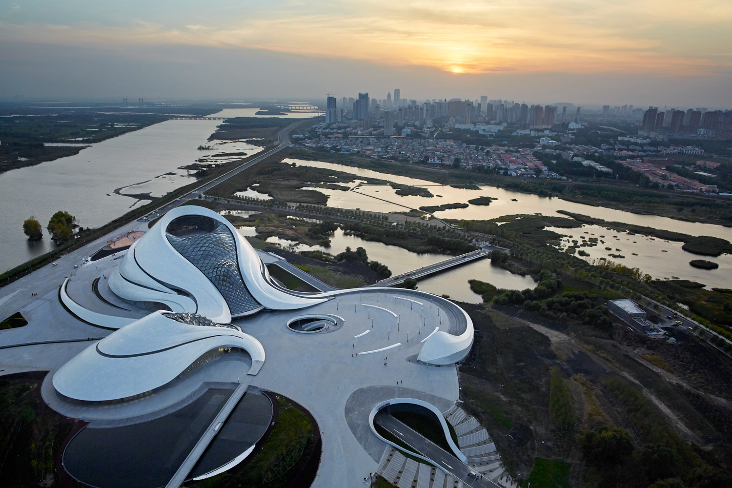 Harbin_Opera_House_-_MAD_Architects._Image_%C2%A9_Hufton___Crow Archdaily dodijelio nagrade Building of the year