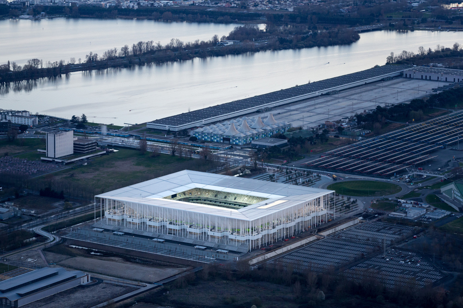 The_New_Bordeaux_Stadium_-_Herzog___de_Meuron._Image_%C2%A9_Iwan_Baan Archdaily dodijelio nagrade Building of the year
