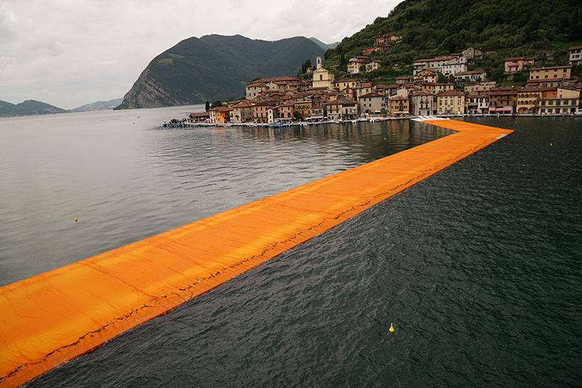 christo-and-jeanne-claude-floating-piers-lake-iseo-italy-designboom-06 Plutajuće platforme na jezeru Iseo